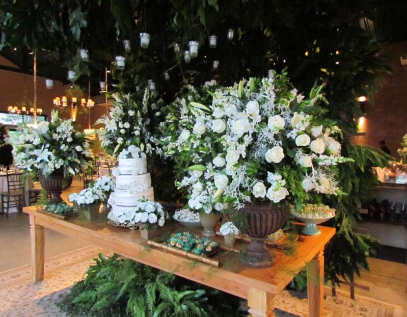 Buffets de Casamento com Espaço Próprio Orlândia - Buffet de Casamento Simples
